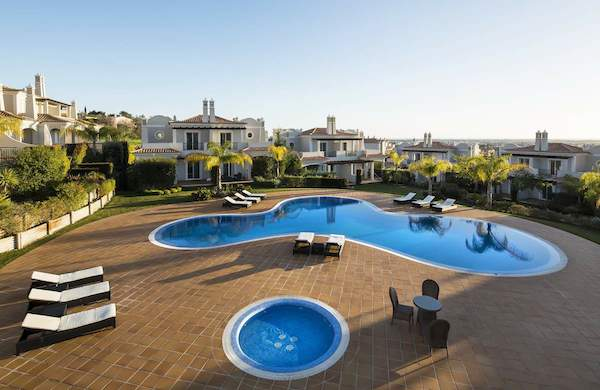 The Crest, Vale Formoso, Algarve - view over the swimming pool - Newpro Real Estate