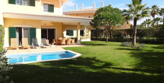 Monte da Quinta Luxury villa 3 bedrooms - garden view - NewPro Real Estate