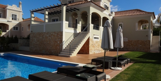 The Crest Excellent 4 +2 bedrooms villa - pool view