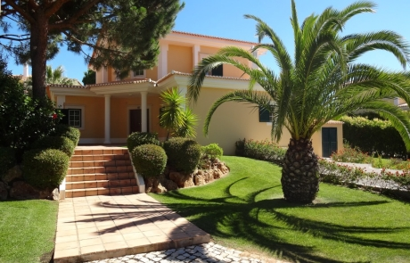 Monte da Quinta cosy Villa V3 - front view - New Pro Real Estate